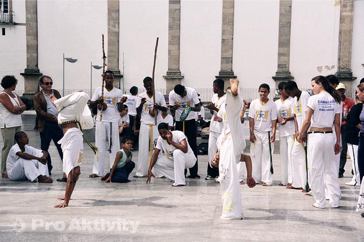 Brazílie - Salvador - pouliční představení školy capoeiry