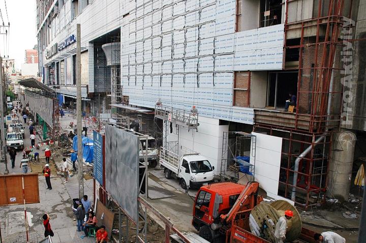 Thajsko - Bangkok - nový obchoďák před měsícem...