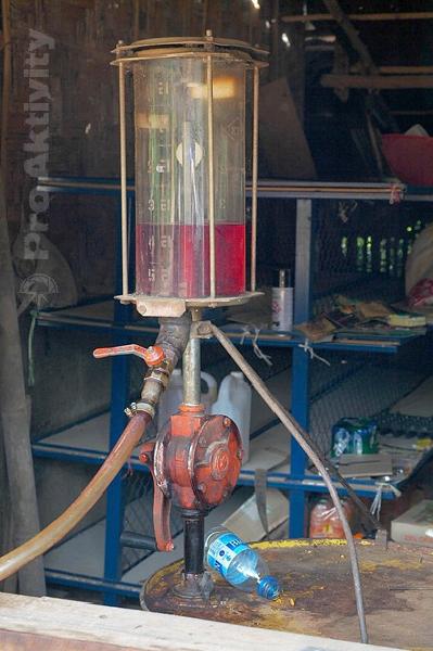 Thajsko - manuální čerpací stanice