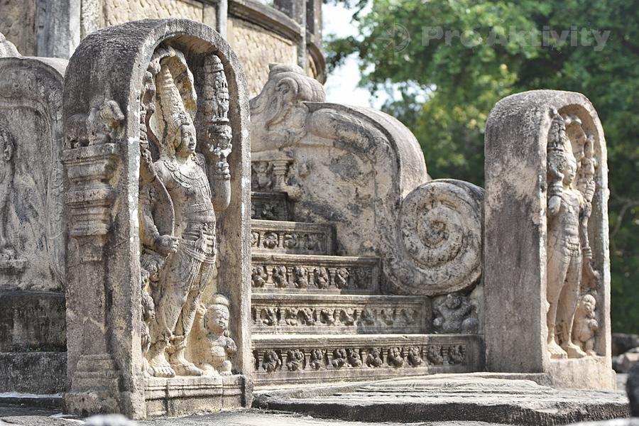 Šrí Lanka - Polonaruva - Vatadágé