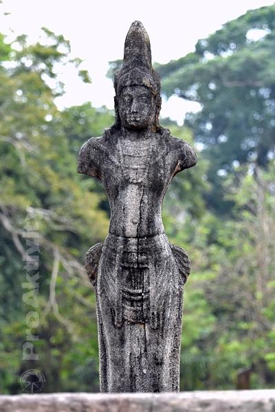 Šrí Lanka - Polonaruva - svatyně bódhisattvy