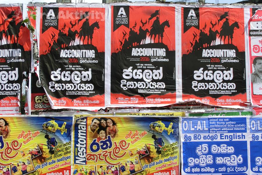 Šrí Lanka - Mahjangana - výlep plakátů