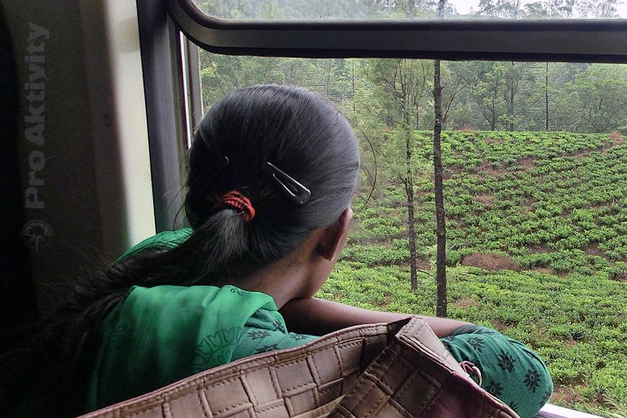Šrí Lanka - jízda Talawakelle-Ohiya