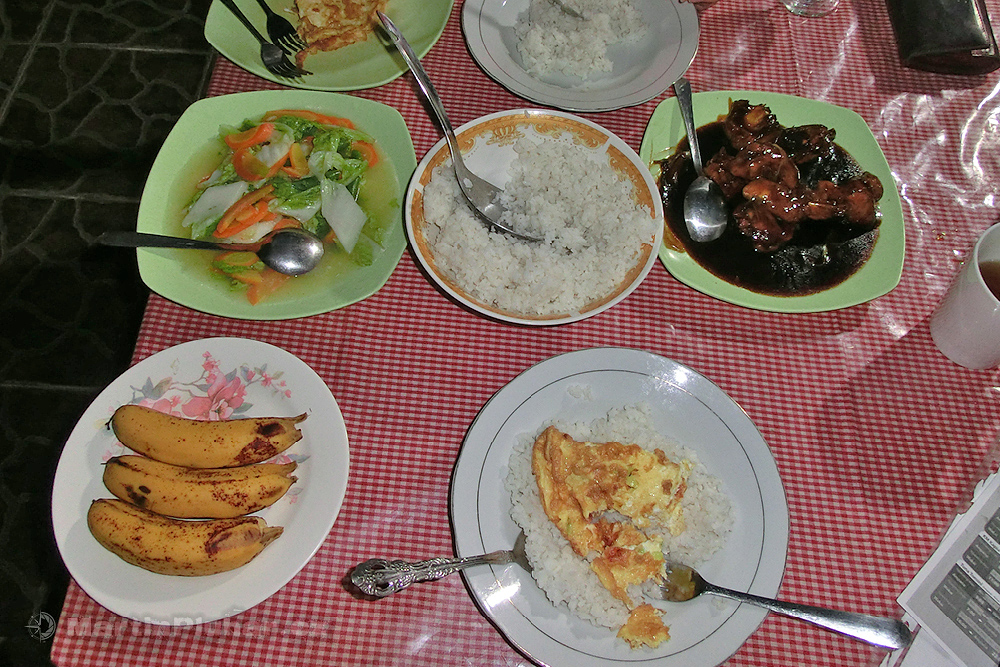 Vesnička Batu Putih, večeře v Tangkoko Ranger