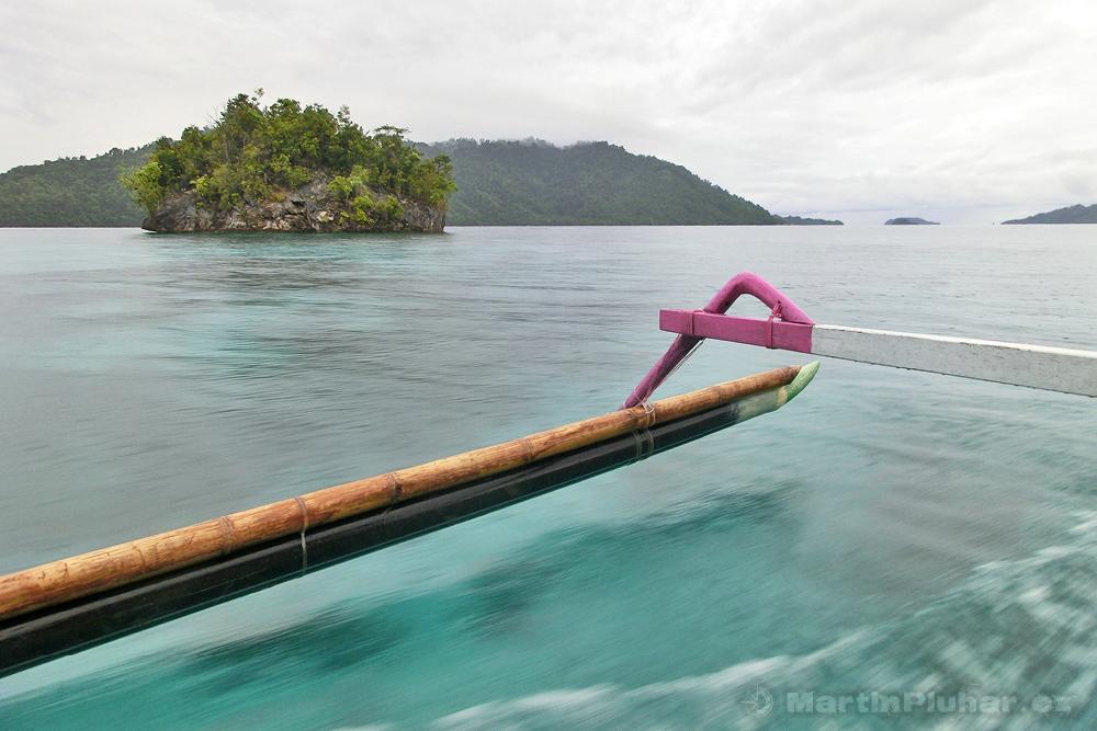 Togianské ostrovy, lodní taxi z Malenge Indah do Dolongu