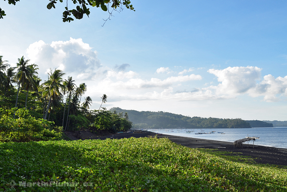 Přírodní rezervace Tangkoko Batuangus, pláž sopečného původu