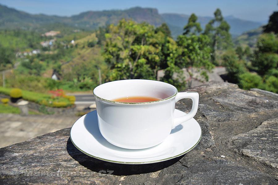 Dimbula - Na čaji s výhledem na čajovníkové plantáže