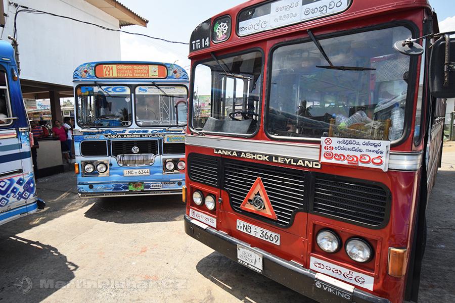 Tangalle - Autobusová tlačenice