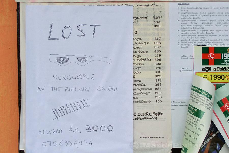 Talawakelle - Odměna za nález slunečních brýlí 373 Kč, asi žádný šméčko...
