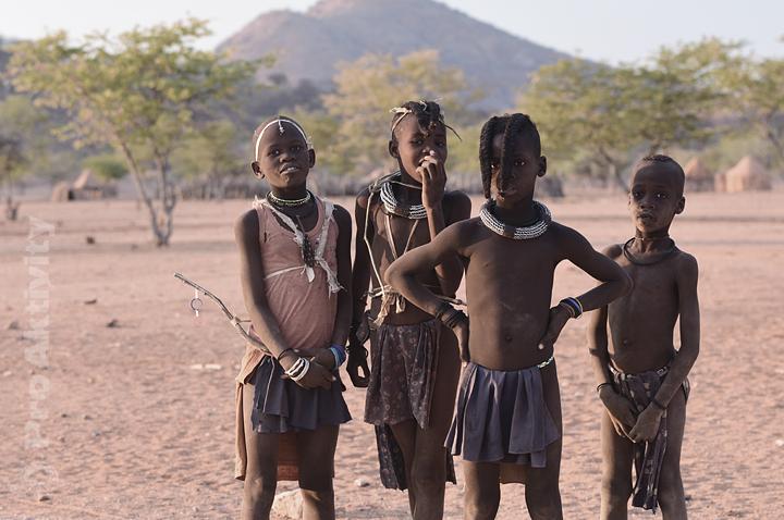 Namibie - Kunene - mládež kmene Himba