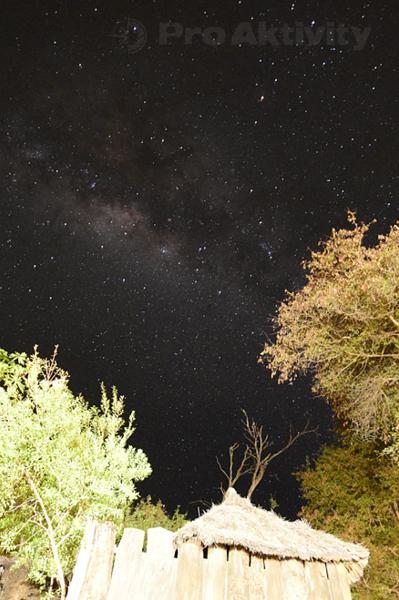 Namibie - Divundu - mléčná dráha nad kempem