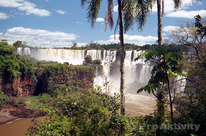Argentina - Puerto Iguazú - Vodopády Iguazú