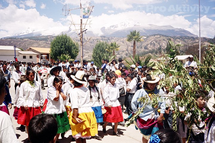 Peru - Yungar - slavnost mléka