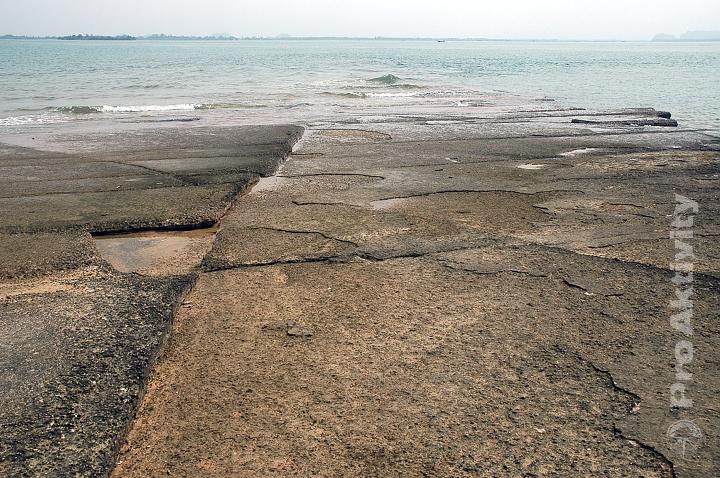 Thajsko - Krabi - Pláž Zkamenělých mušlí (Fossil Shell Beach)