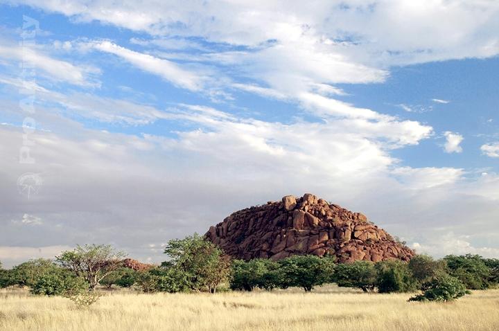 Namibie - Kaokoveld - žulové kopečky ´nubbins´