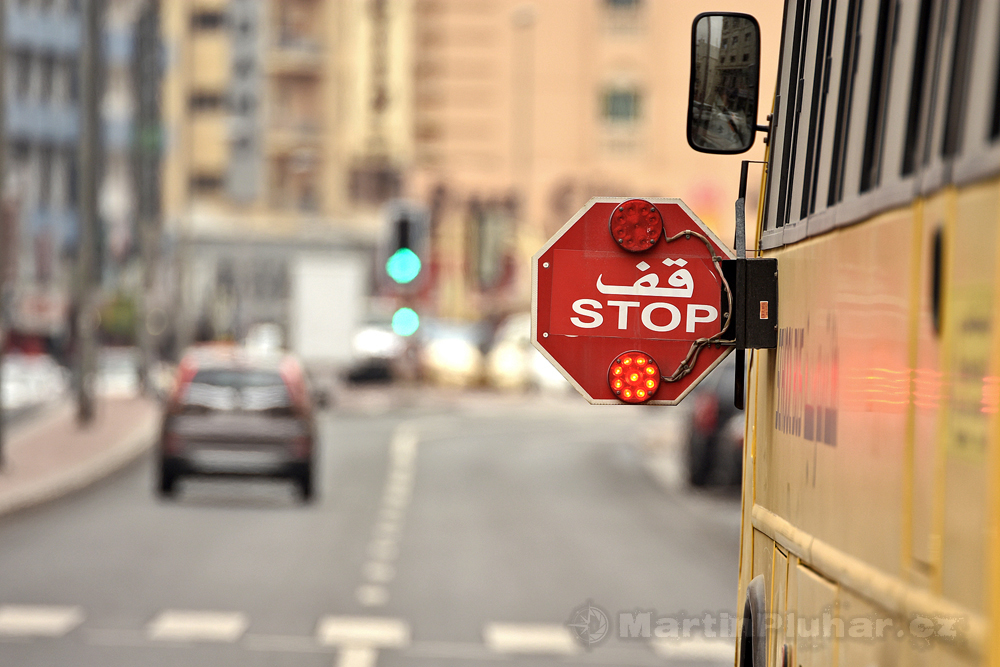 školní autobus, čtvrť Bur Dubai