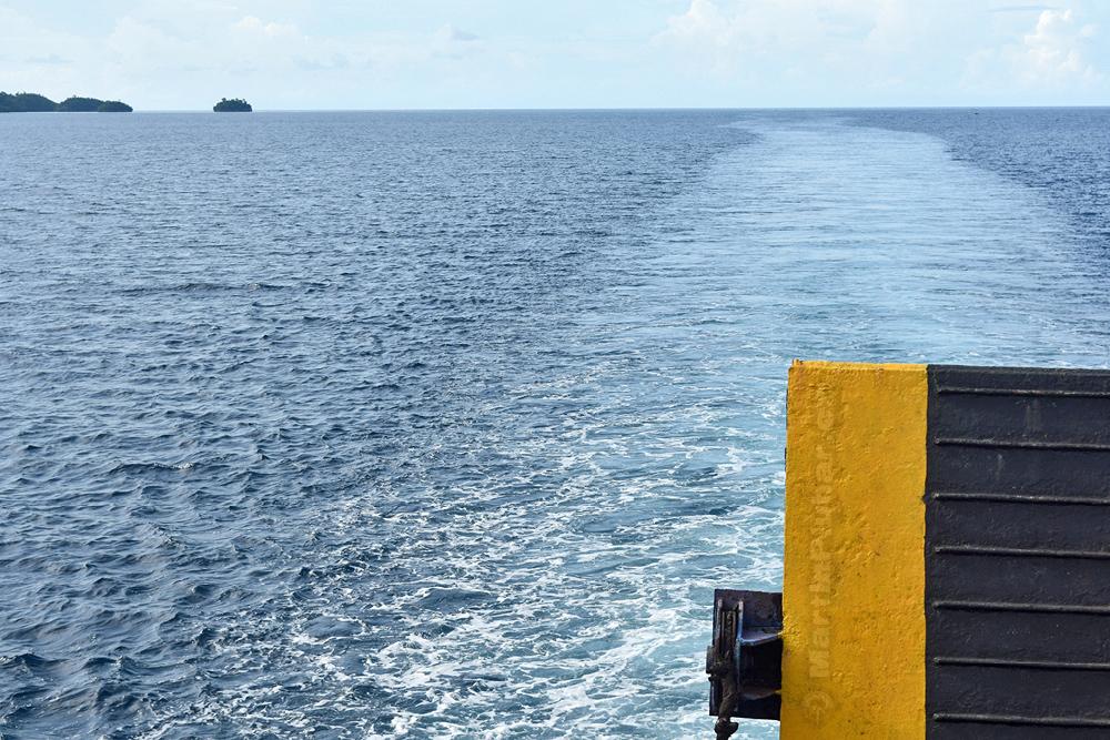 Plujeme k Togianským ostrovům