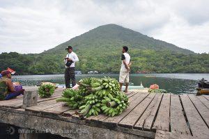 Moluky, Bandské ostrovy - ostrov Banda - Banda Neira - přístaviště malých člunů