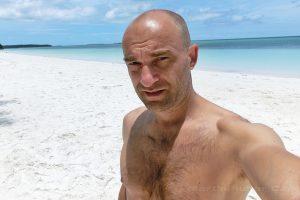 Moluky, Keiské ostrovy - Malý Keiský ostrov - Ngurbloat - pláž Pasir Panjang a já