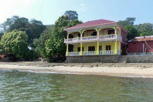 Moluky, Bandské ostrovy - ostrov Ay - odplouváme od Green Coconut GH na výlet