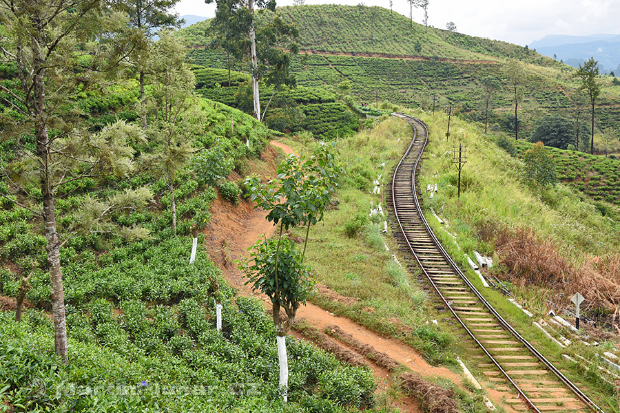 Radella - Železnice se vine mezi kopečky