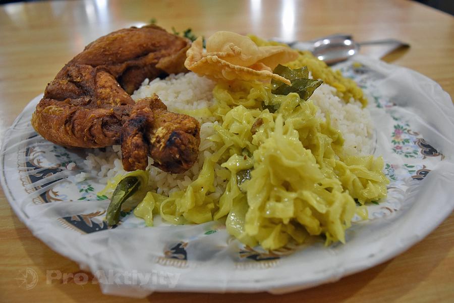 Šrí Lanka - Anurádapura - kuřecí kari