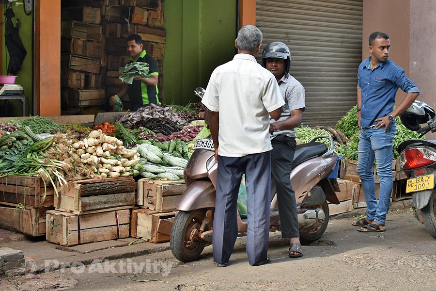 Šrí Lanka - Anurádapura - na tržnici