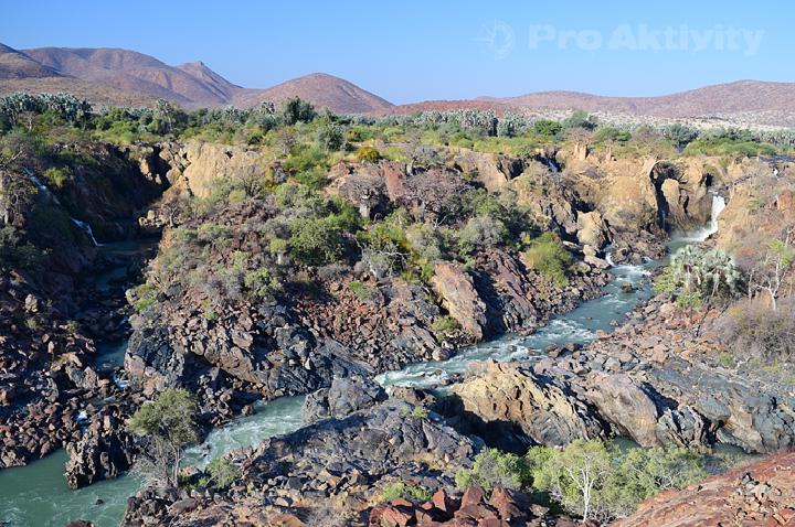 Namibie - Kunene - vodopády Epupa